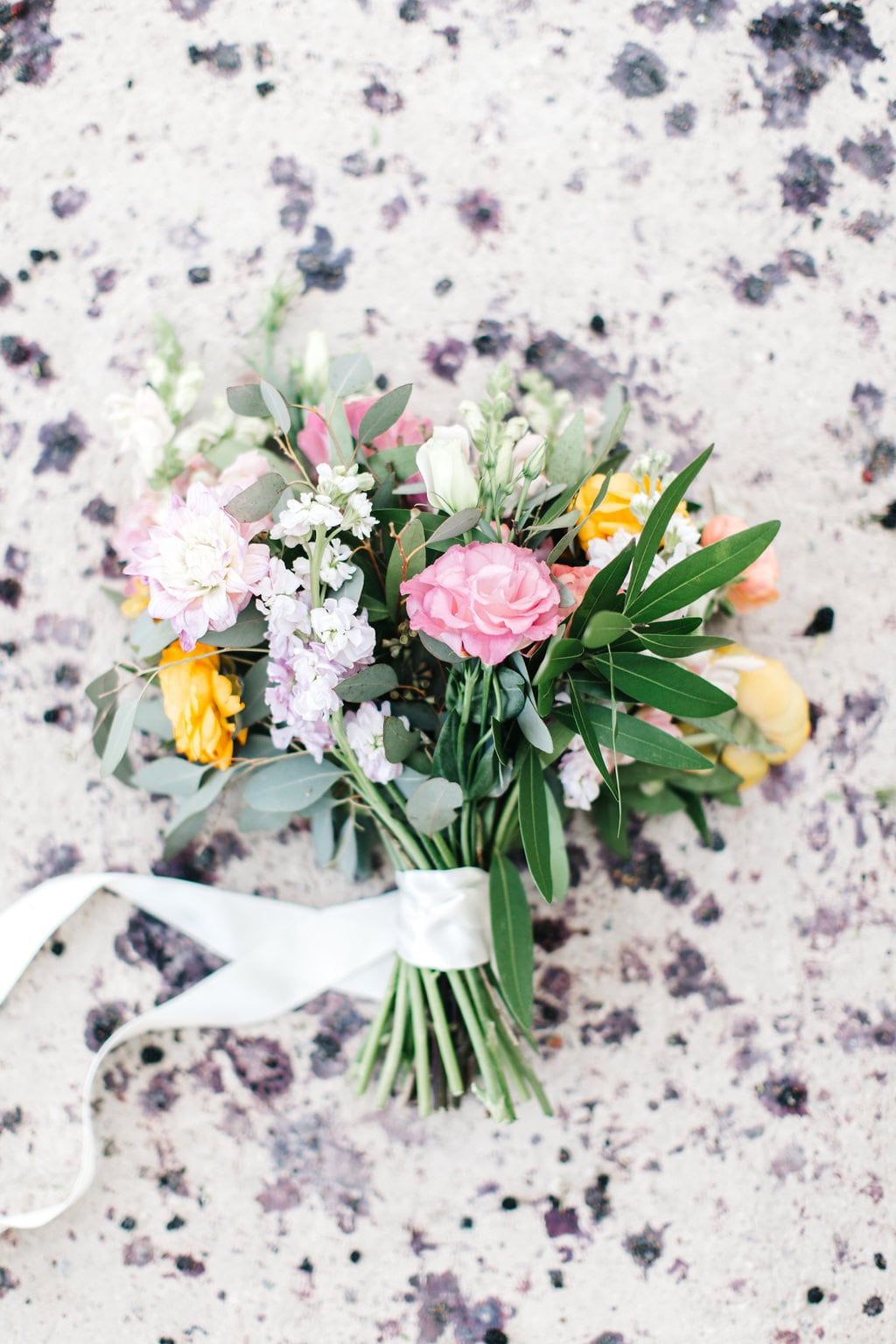 Loose Wedding Bouquet | Credit: Julia Stockton Photography