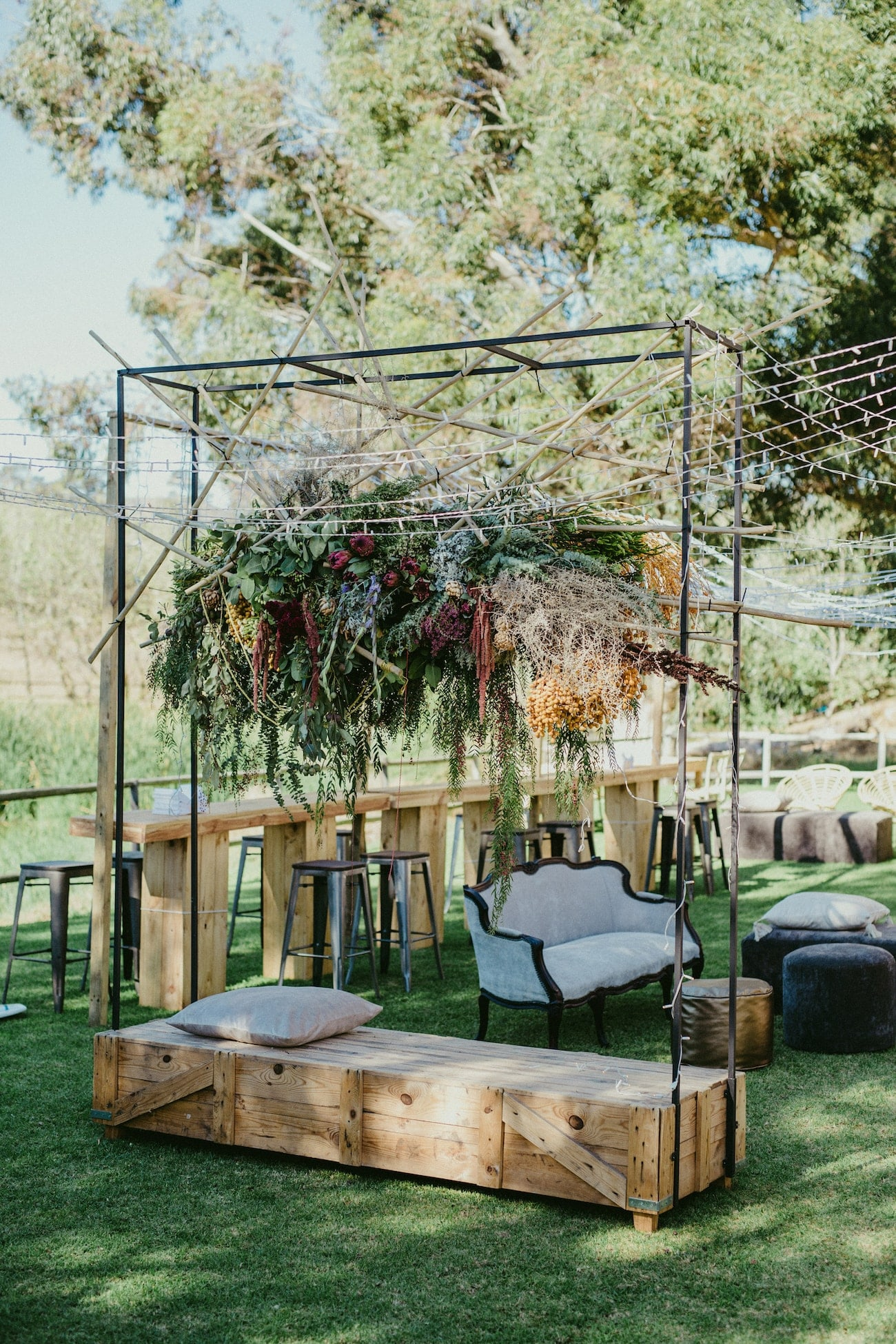 Outdoor Wedding Reception | Credit: Vivid Blue