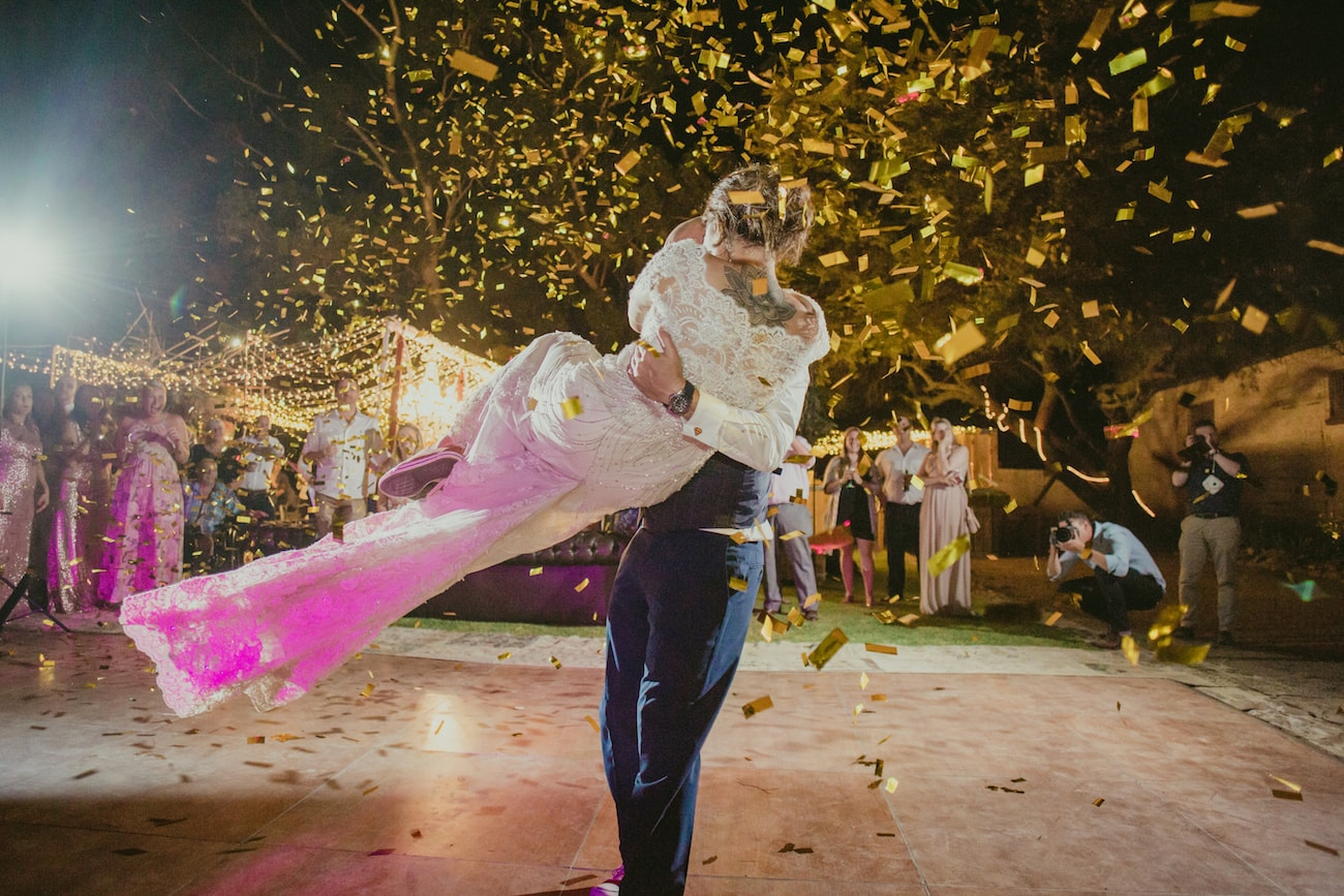 Confetti Cannon First Dance | Credit: Vivid Blue