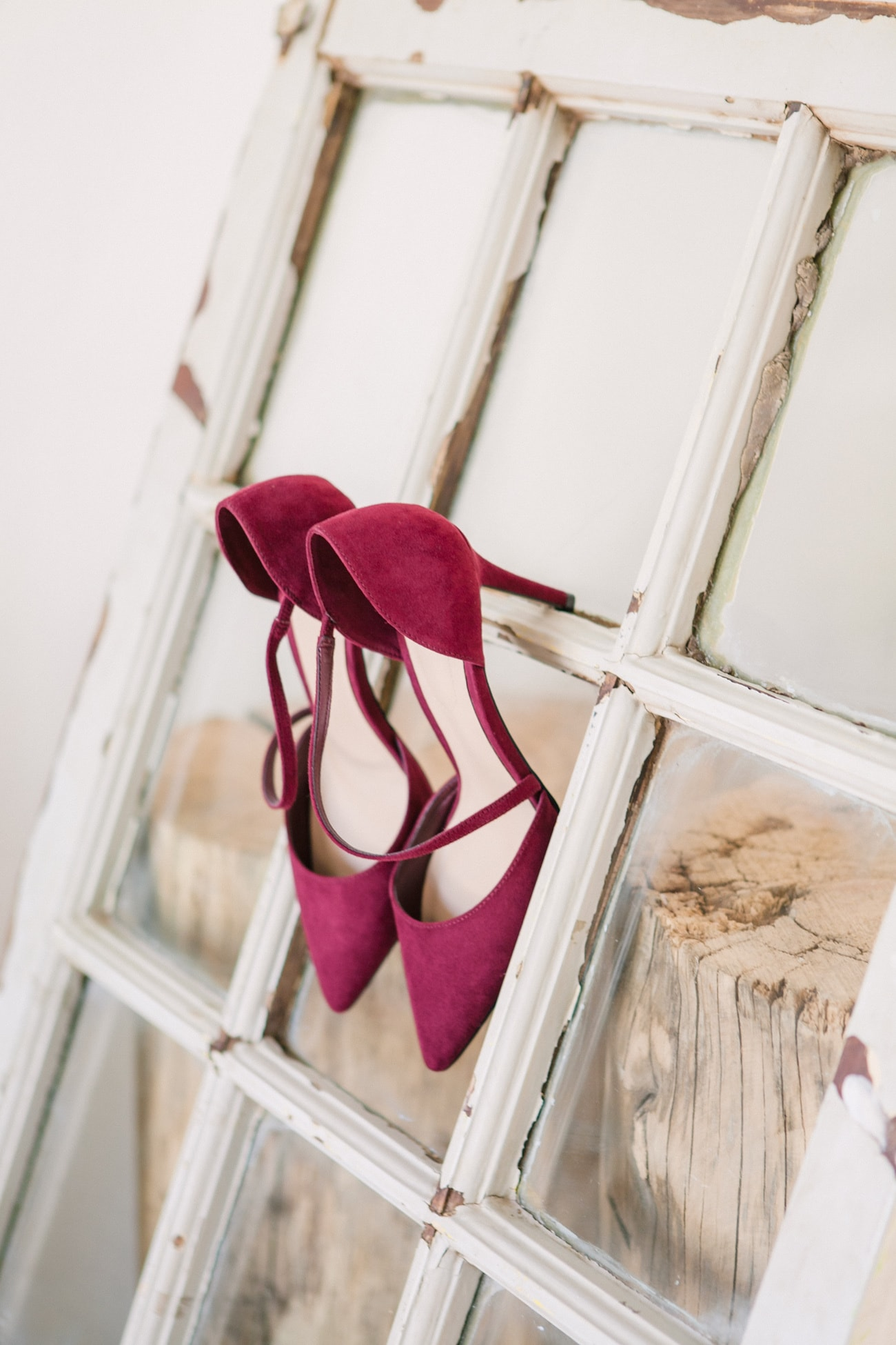Burgundy Shoes | Joyous Jewel Tone Winter Wedding | Credit: Dust and Dreams Photography