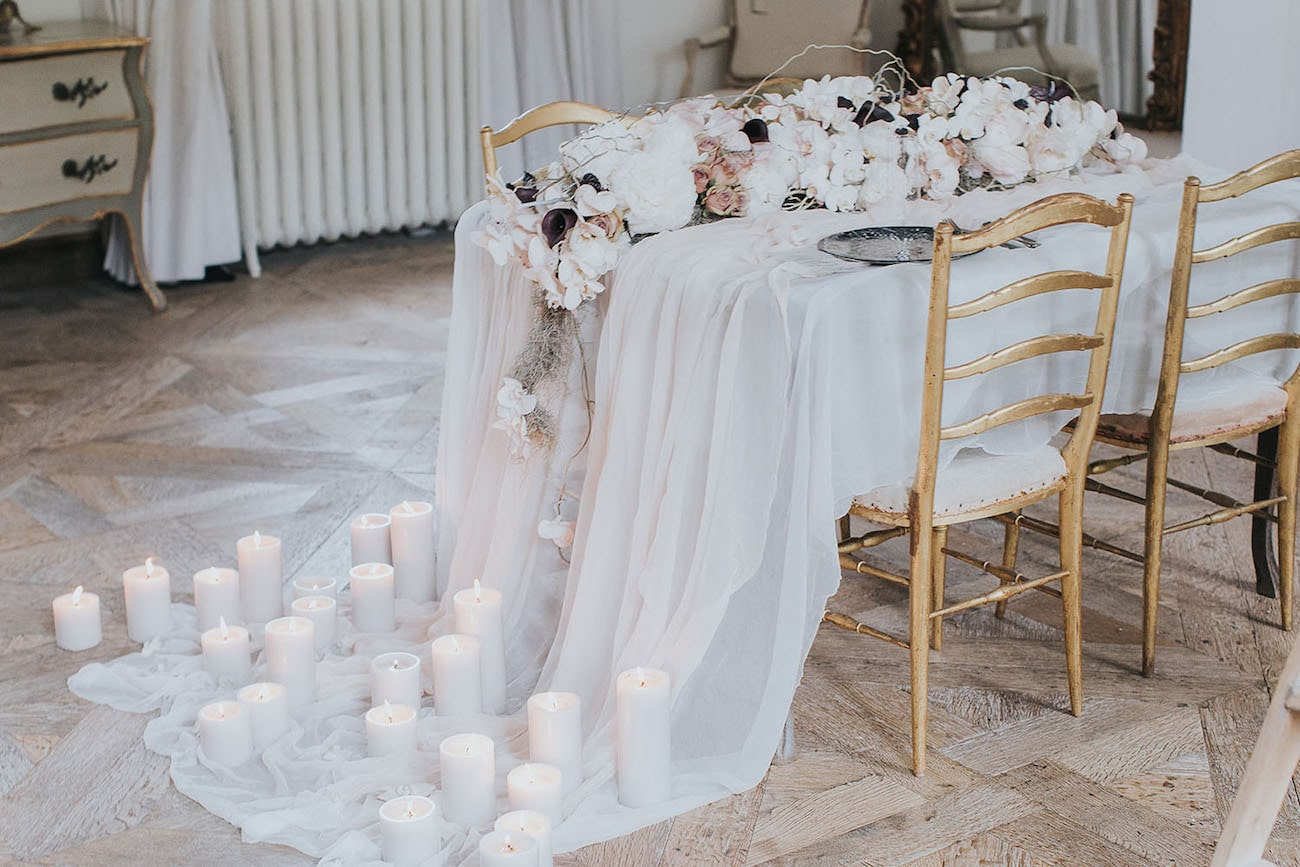 Fine Art Wedding Table Decor | Credit: Cornelia Lietz