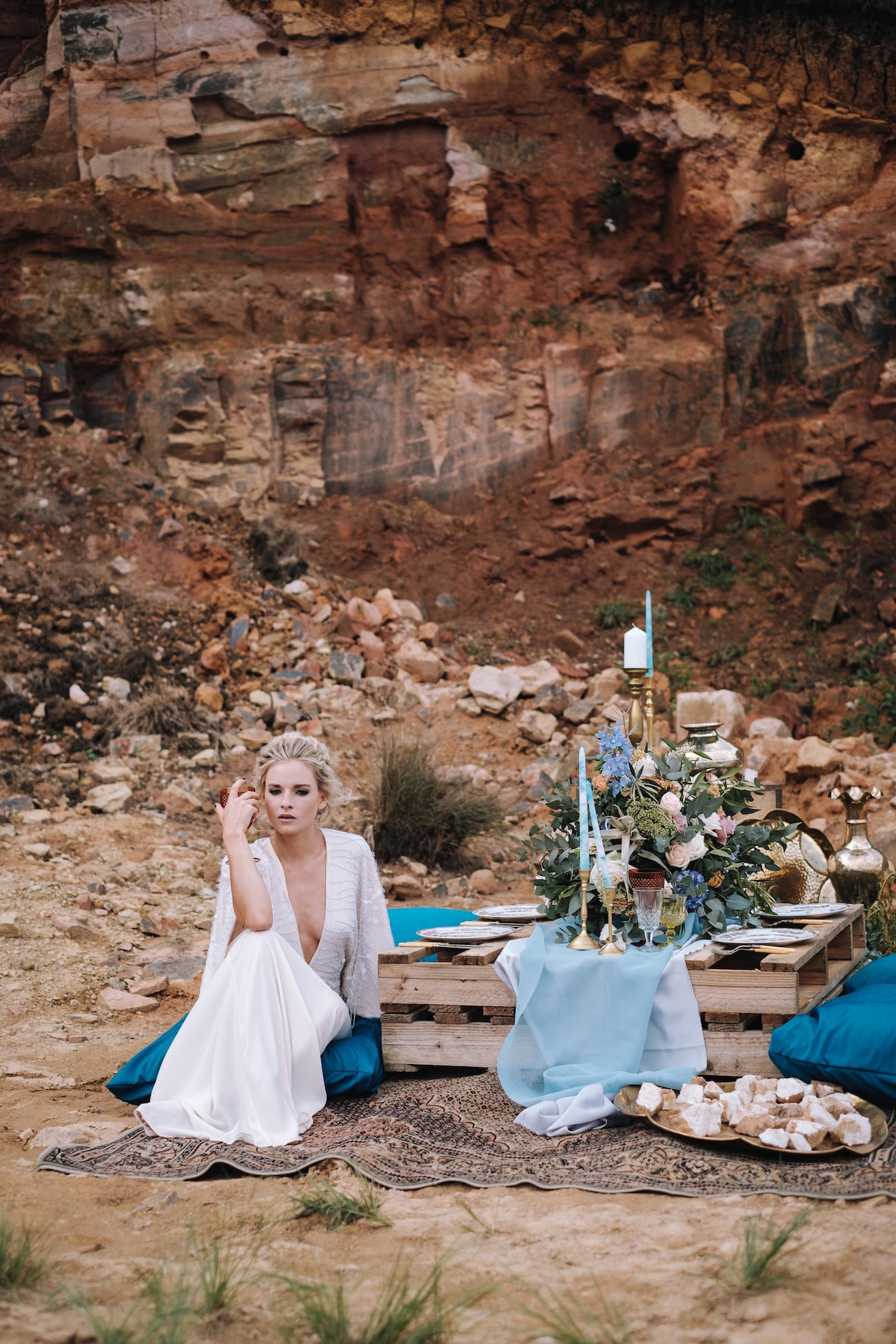 Red Rock Reception | Atmospheric Wedding Inspiration | Credit: The Shank Tank