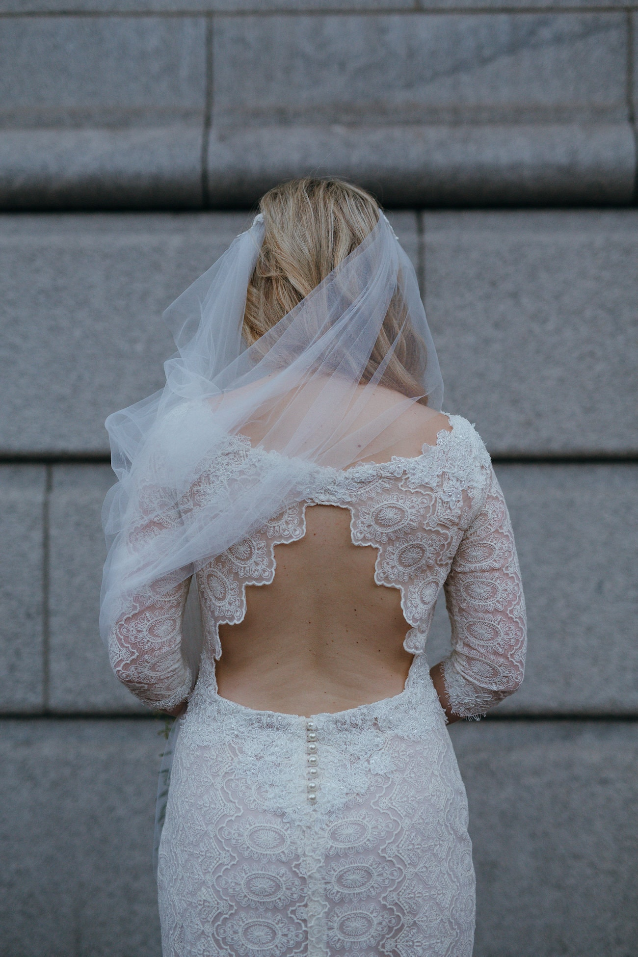 Keyhole Back Lace Wedding Dress | Vintage Chic City Wedding at the Cape Town Club | Credit: Duane Smith