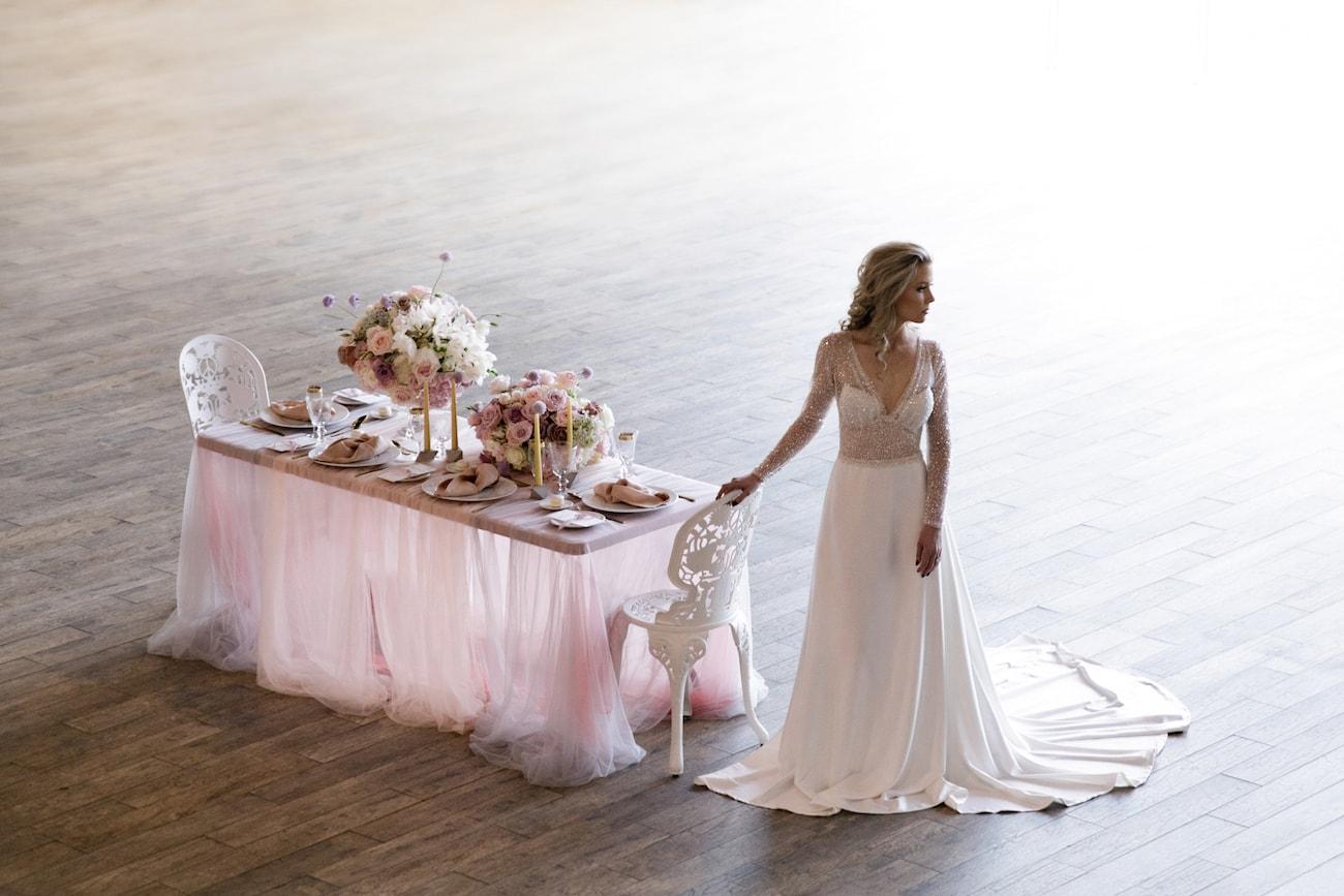 Romantic Iridescent Wedding Inspiration | Credit: Jessica Notelo (15)