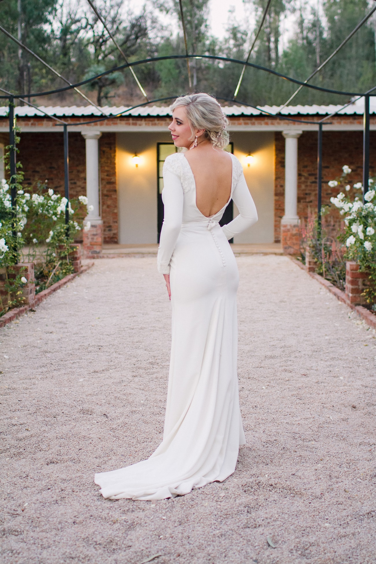 Winter Wedding Dress | Joyous Jewel Tone Winter Wedding | Credit: Dust and Dreams Photography