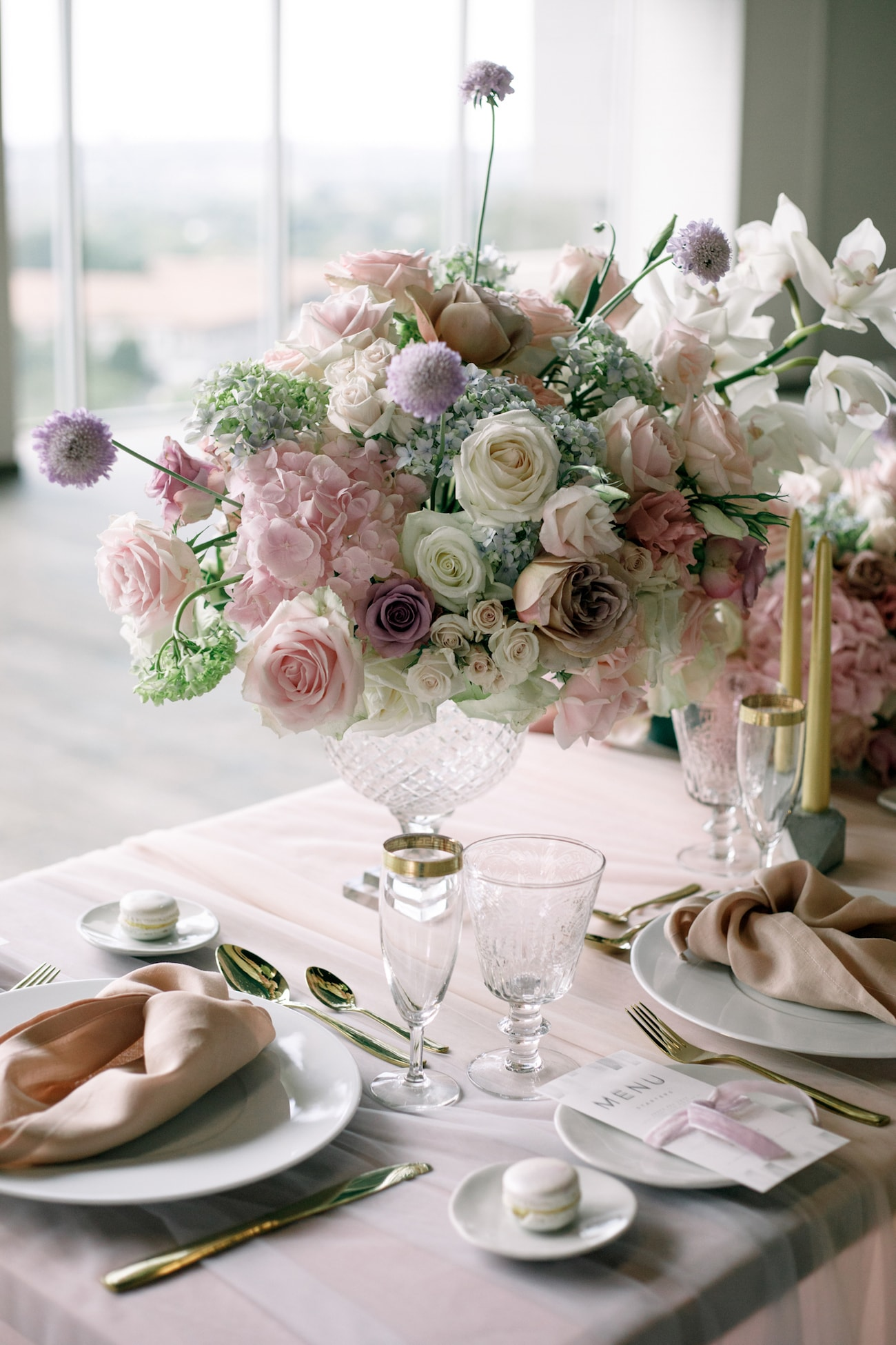Romantic Iridescent Wedding Table Decor | Credit: Jessica Notelo (18)