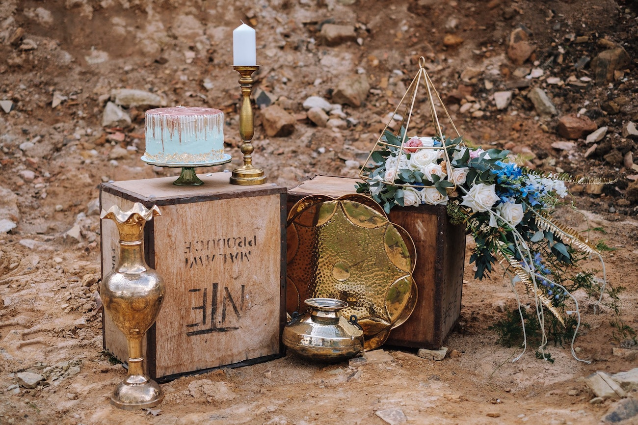 Rustic Cake Table | Atmospheric Wedding Inspiration | Credit: The Shank Tank
