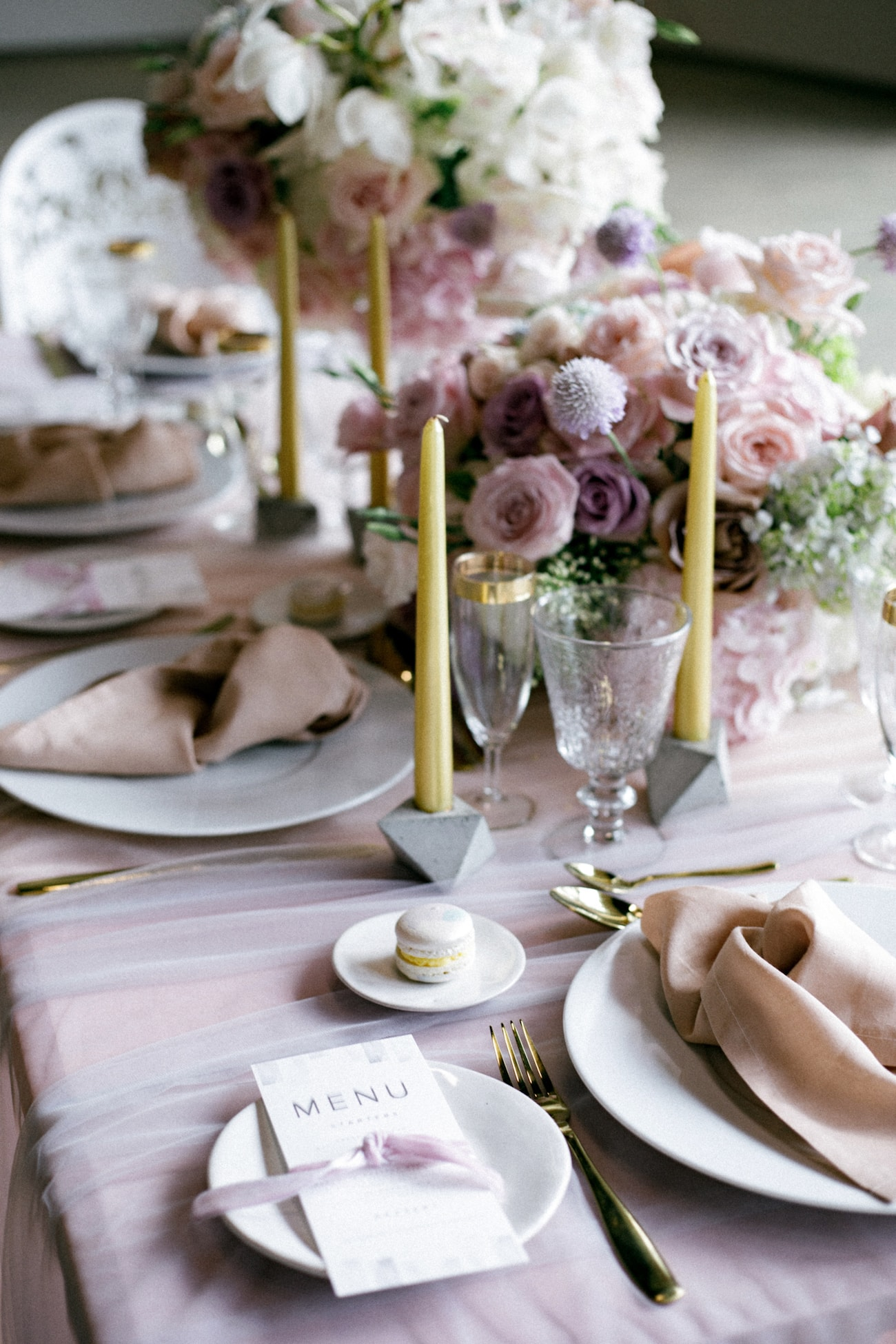 Iridescent Wedding Trend Table Decor | Credit: Jessica Notelo (20)