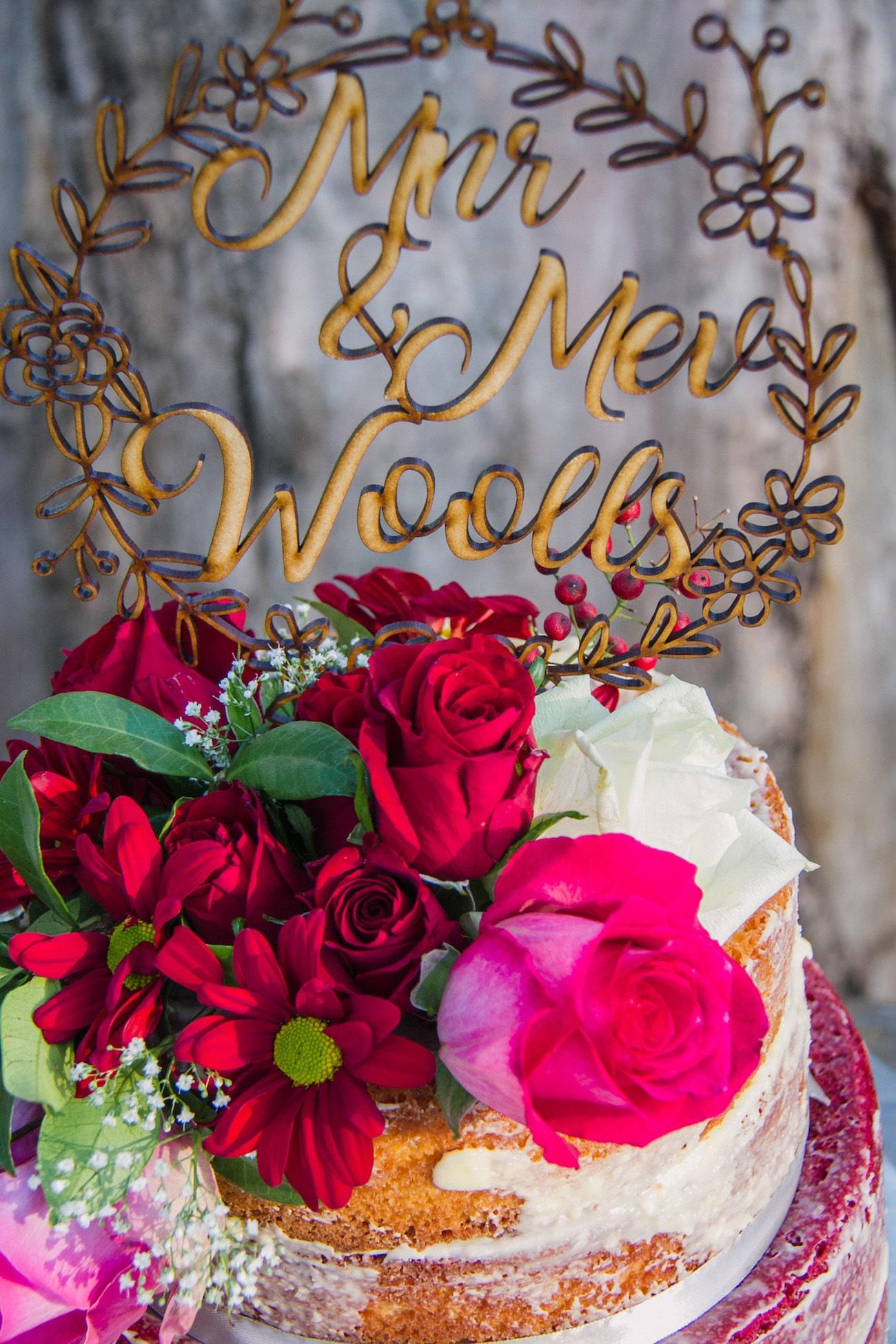 Naked Cake | Joyous Jewel Tone Winter Wedding | Credit: Dust and Dreams Photography