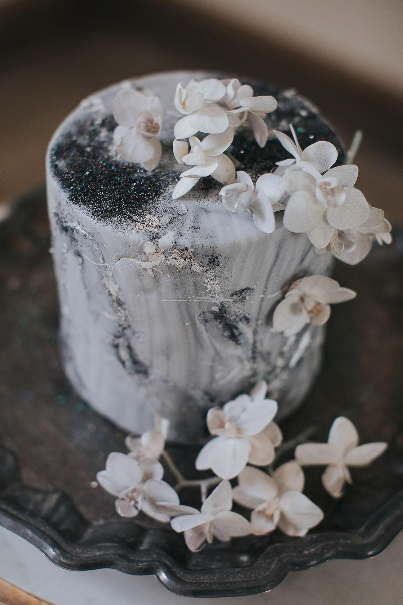 Celestial Themed Wedding Cake | Credit: Cornelia Lietz