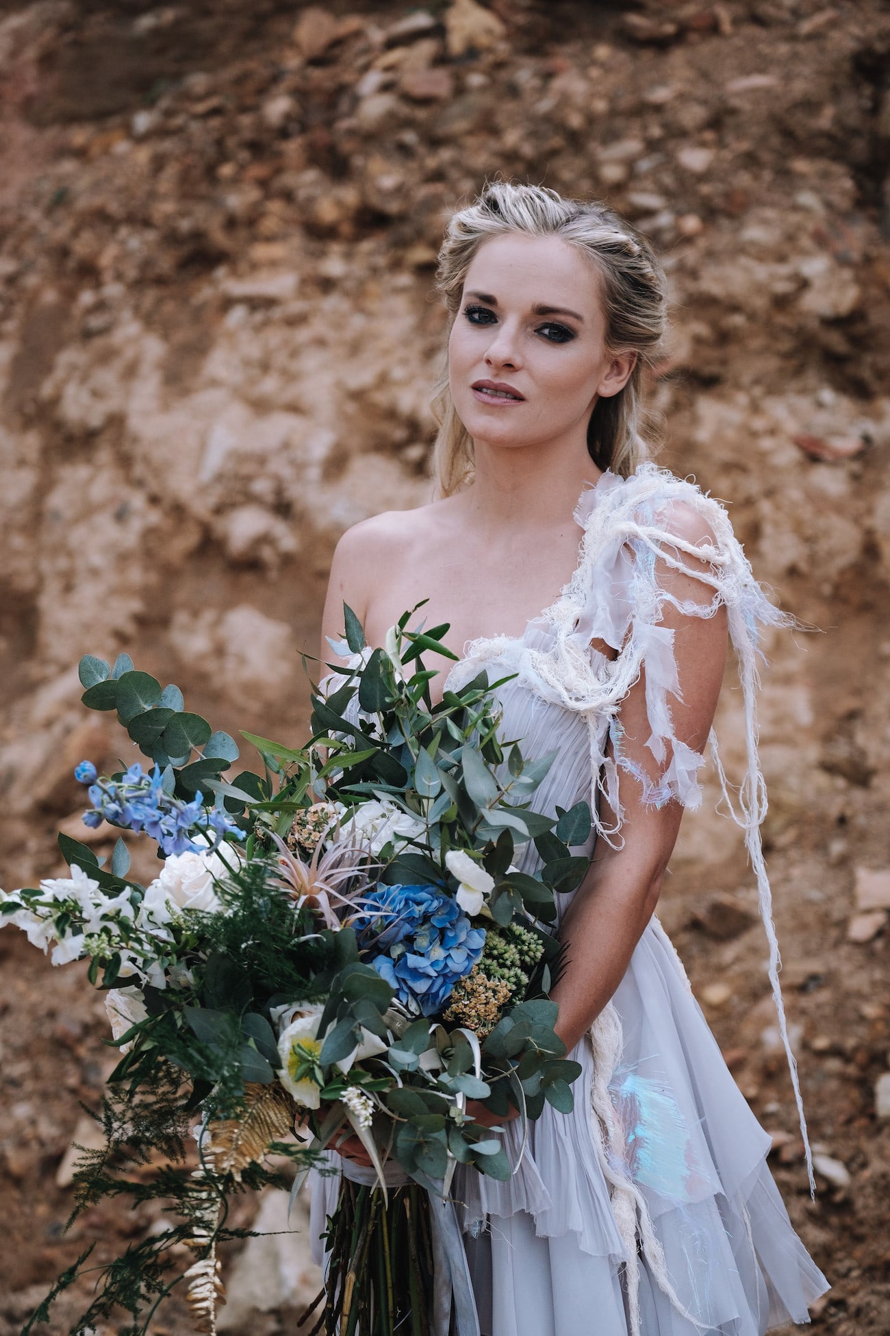 Oversize Statement Bouquet | Atmospheric Wedding Inspiration | Credit: The Shank Tank