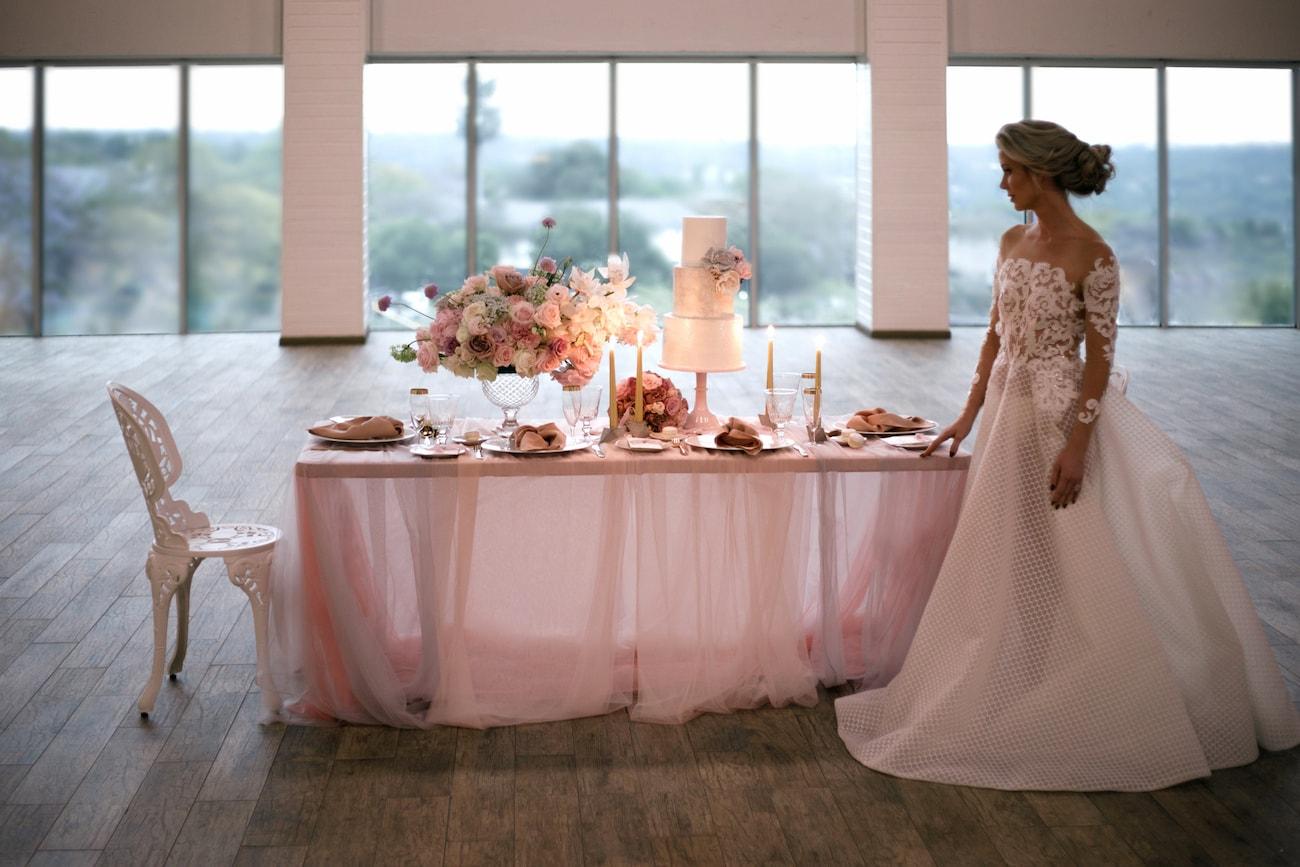 Romantic Iridescent Wedding Inspiration | Credit: Jessica Notelo (33)