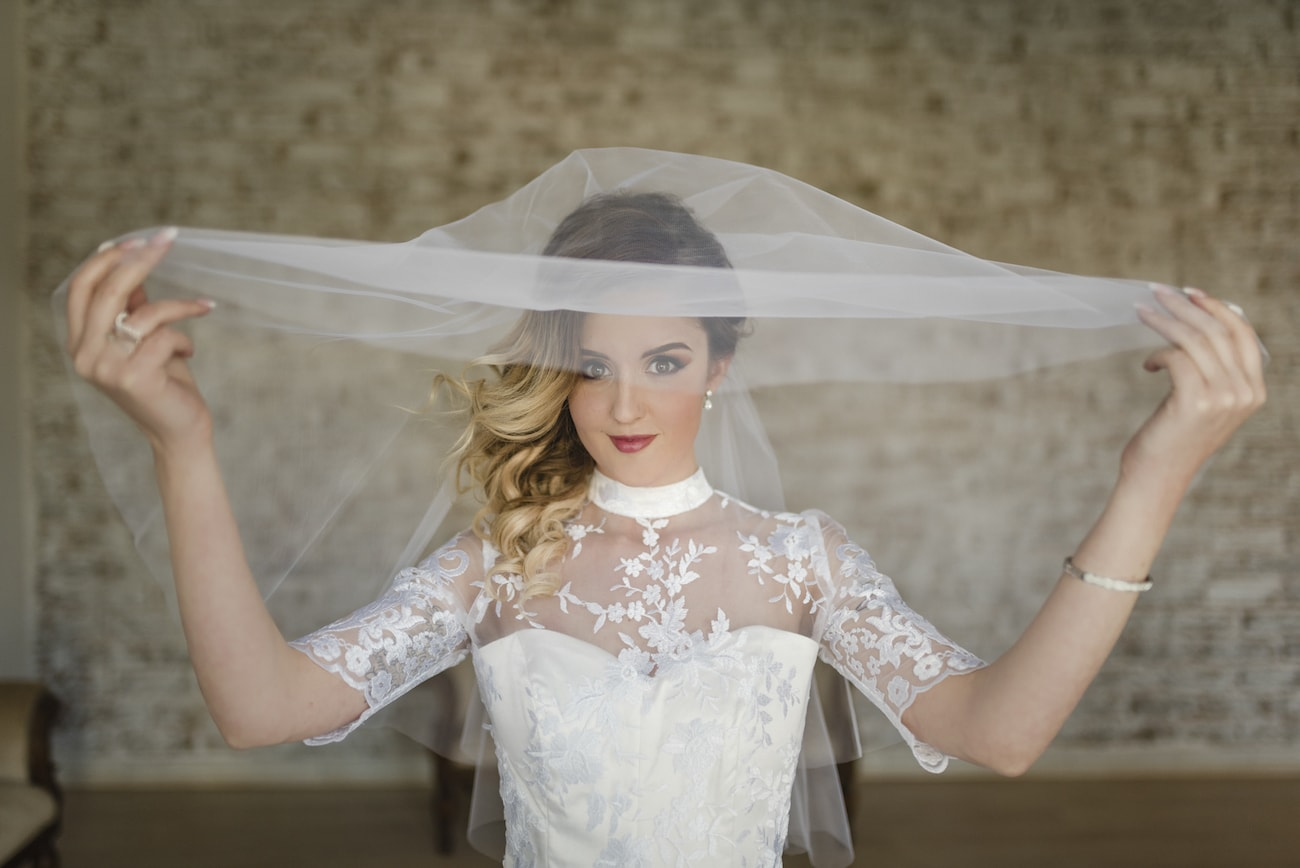 High Neck Lace Wedding Dress | Credit: Wynand van der Merwe (8)
