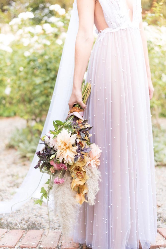 Ethereal Fall Bride | Image: Cara Faye Weddings
