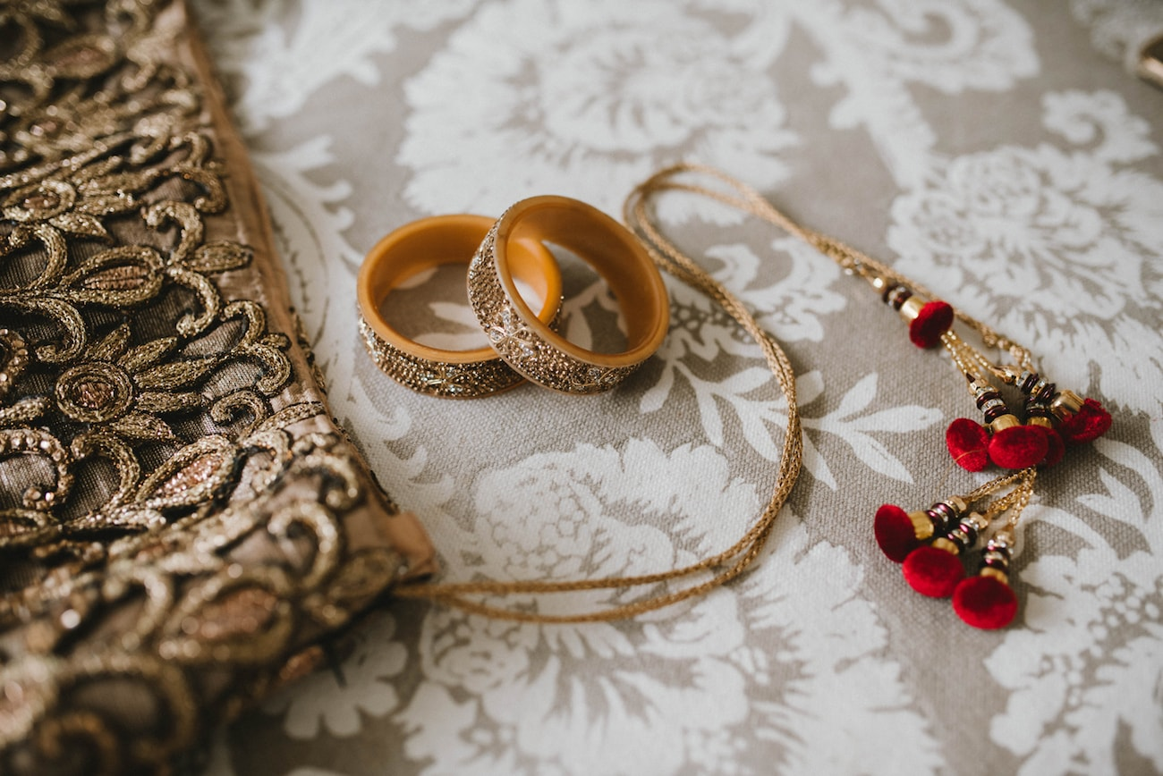 Indian Wedding Chudiyan | Image: Claire Thomson