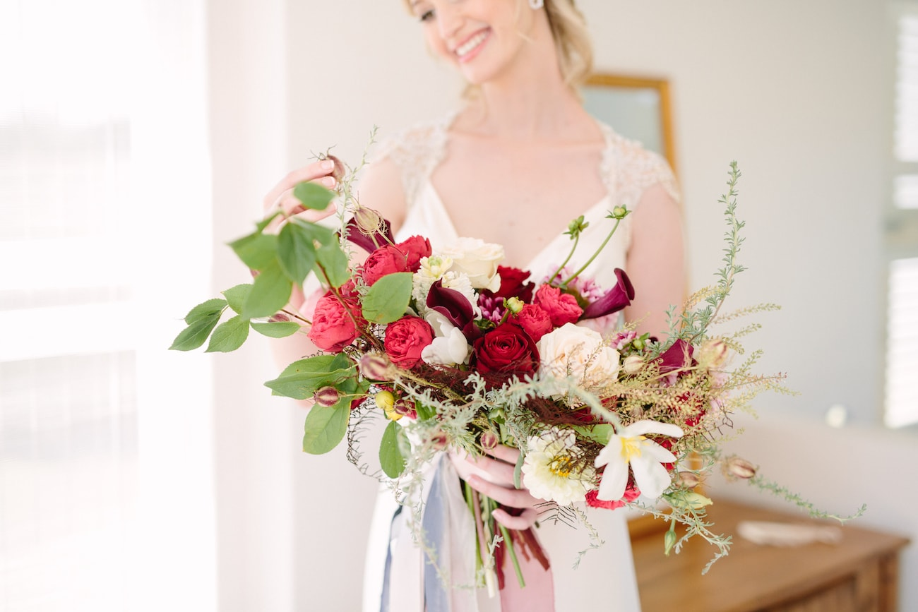 Gorgeous Loose Bouquet | Image: Tasha Seccombe