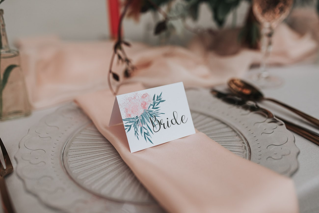 Floral Calligraphy Place Card | Image: Pear & Bear Photography