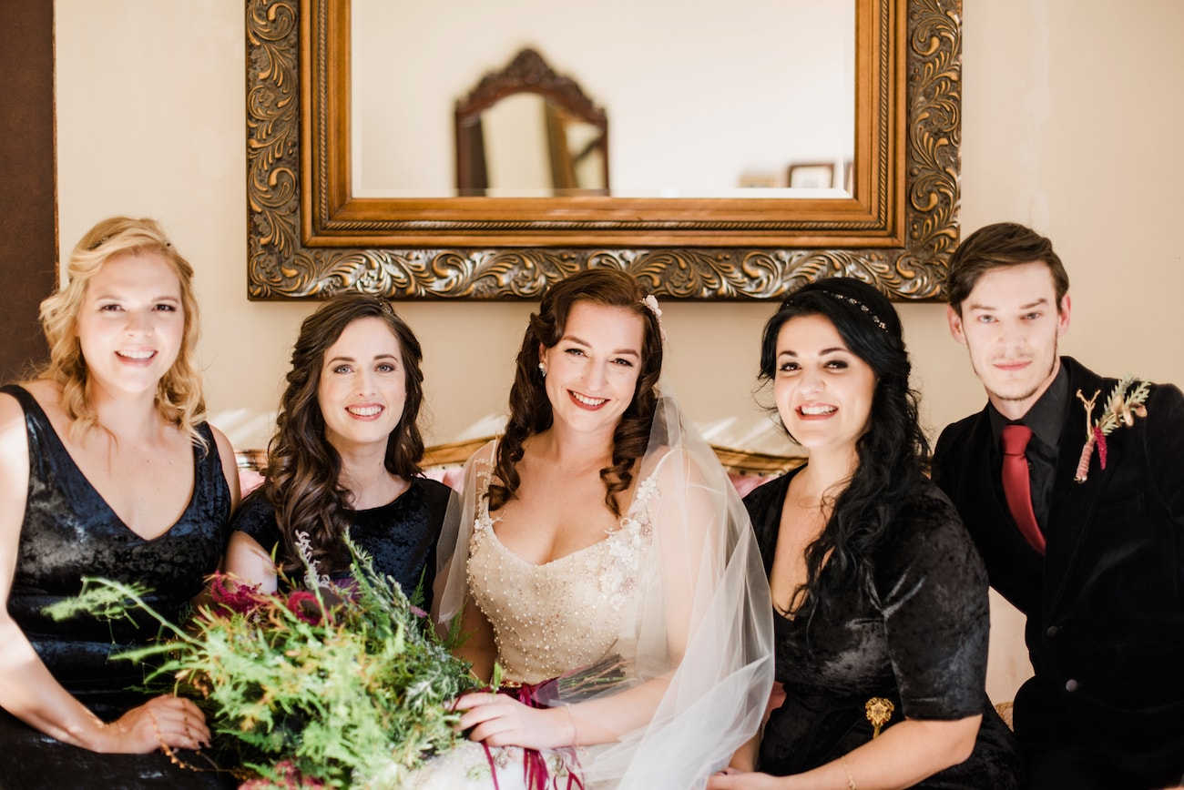 Bridesmaids & Bridesman | Image: Roxanne Davison