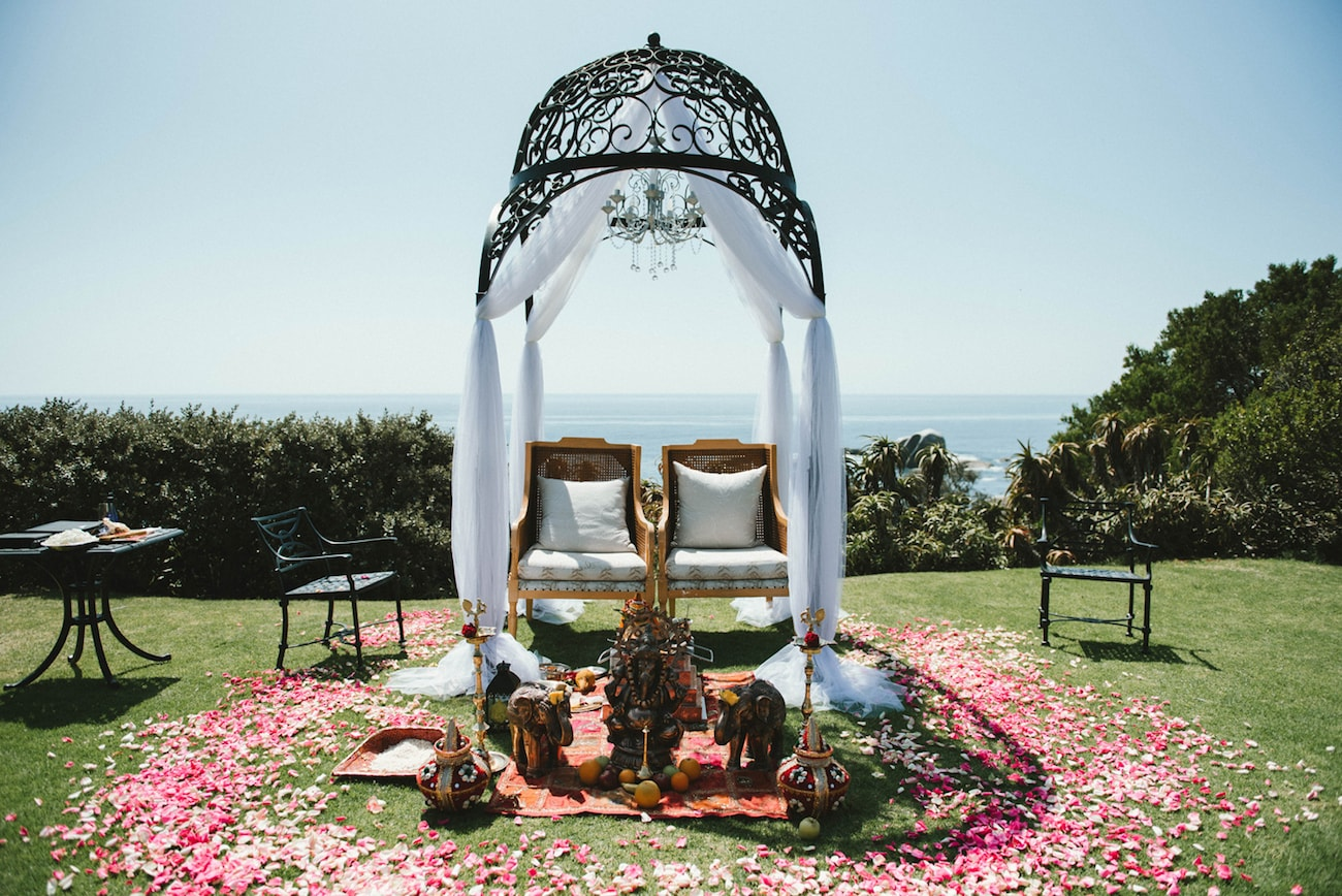 Traditional Hindu Wedding Ceremony at the 12 Apostles Hotel | Image: Claire Thomson