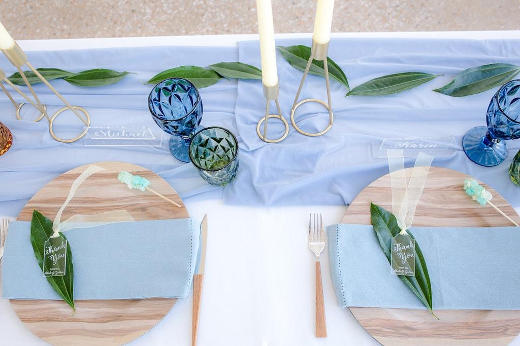 Romantic Transparent Table Decor | Image: Jaqui Franco