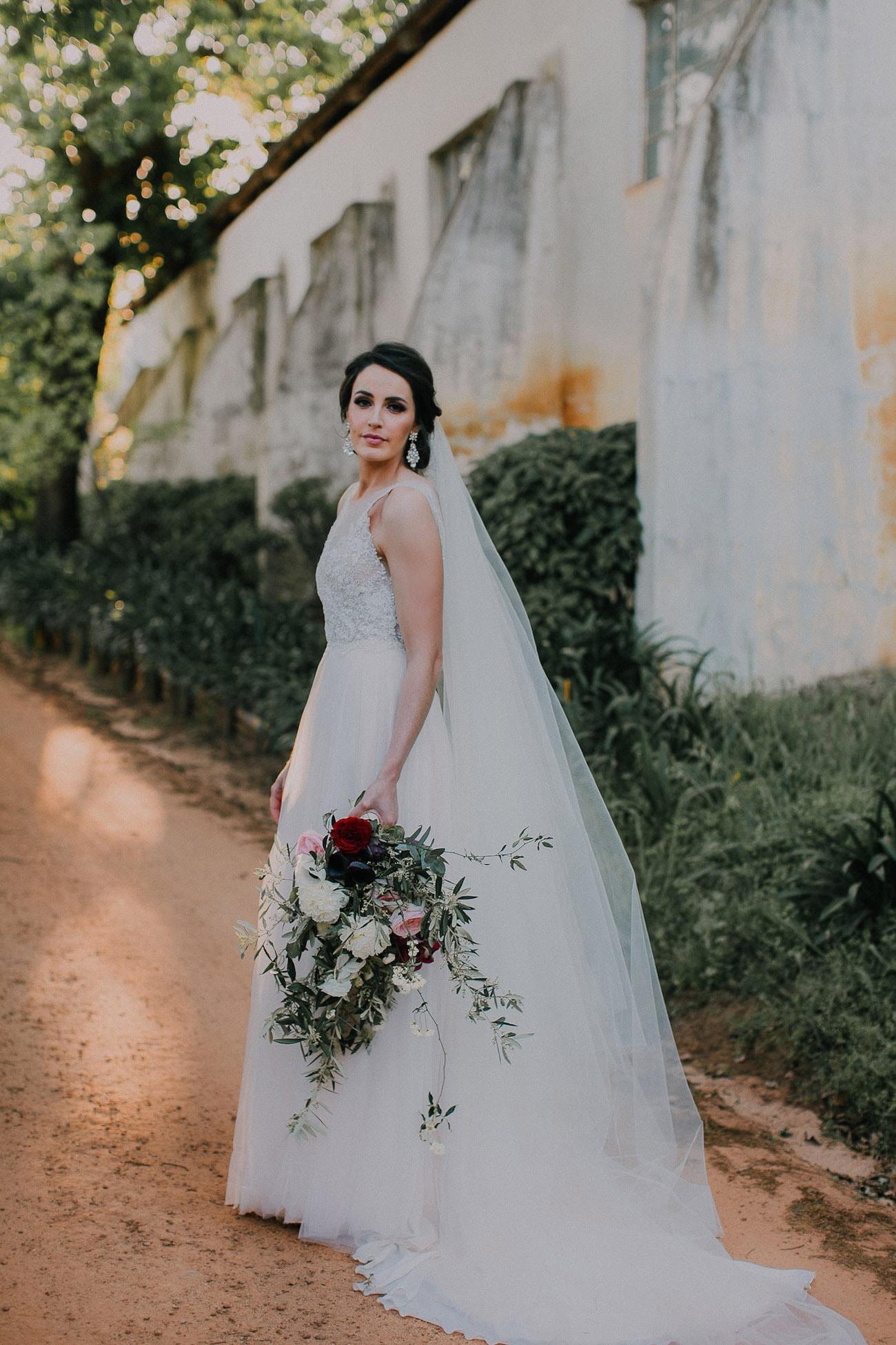 Elegant Bride | Image: Michelle du Toit