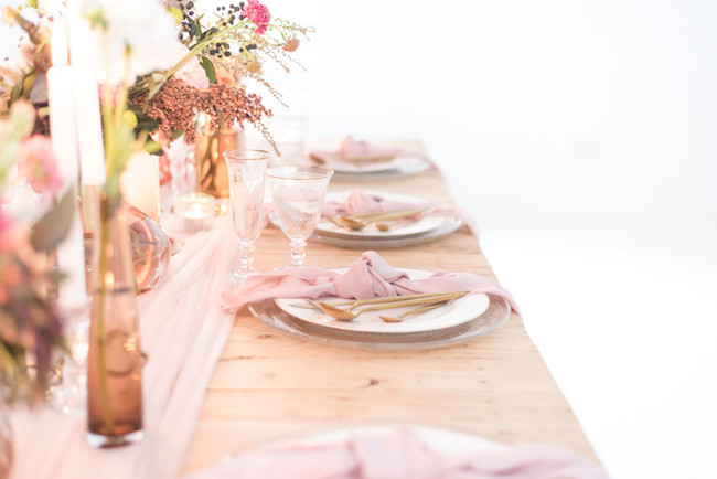 Romantic Fall Tablescape | Image: Cara Faye Weddings
