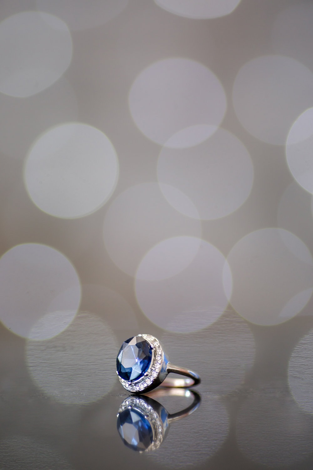 Sapphire Engagement Ring | Image: Jaqui Franco