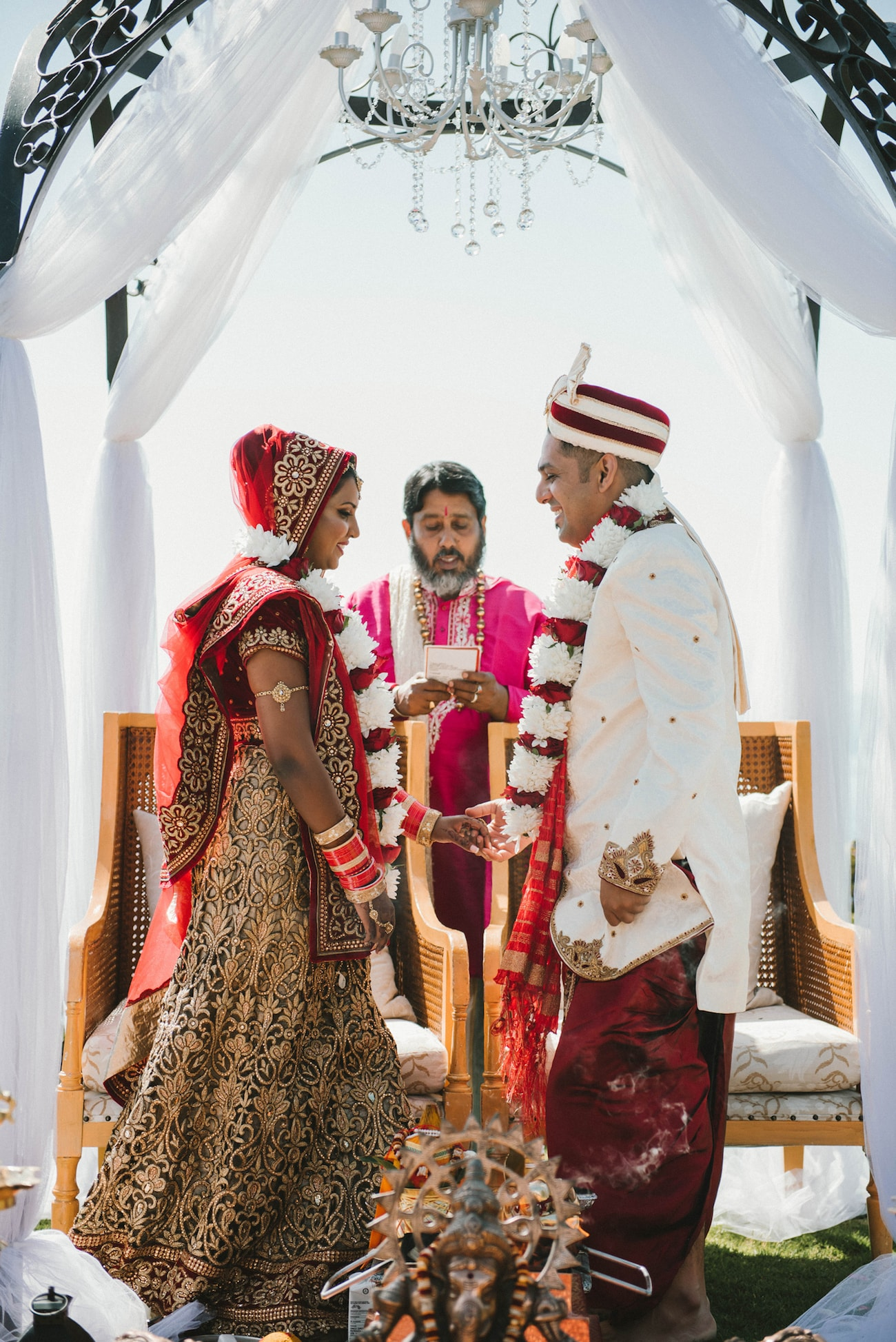 Traditional Hindu Wedding Ceremony | Image: Claire Thomson