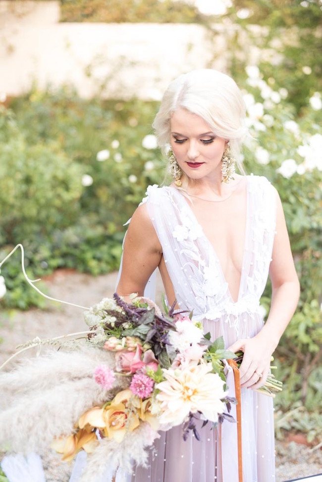 Romantic Fall Wedding Bouquet | Image: Cara Faye Weddings