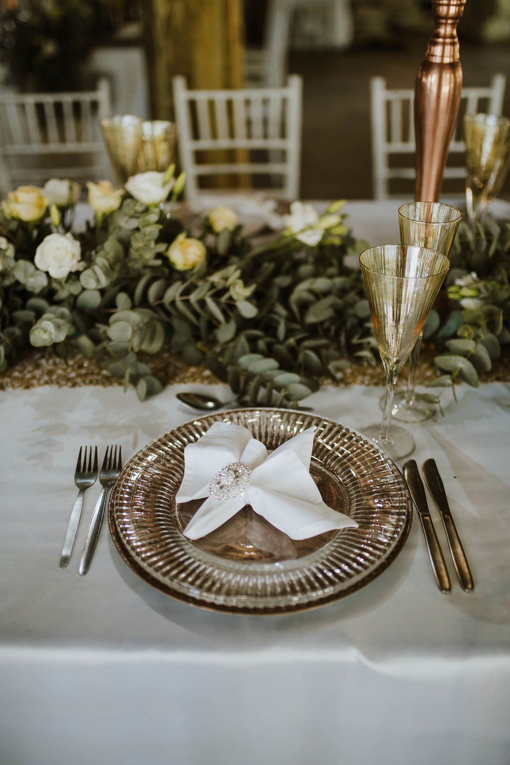 Glam Rustic Okace Setting with Sequin Linens, Greenery Runner & Mercury Glass | Image: Jessica J Photography