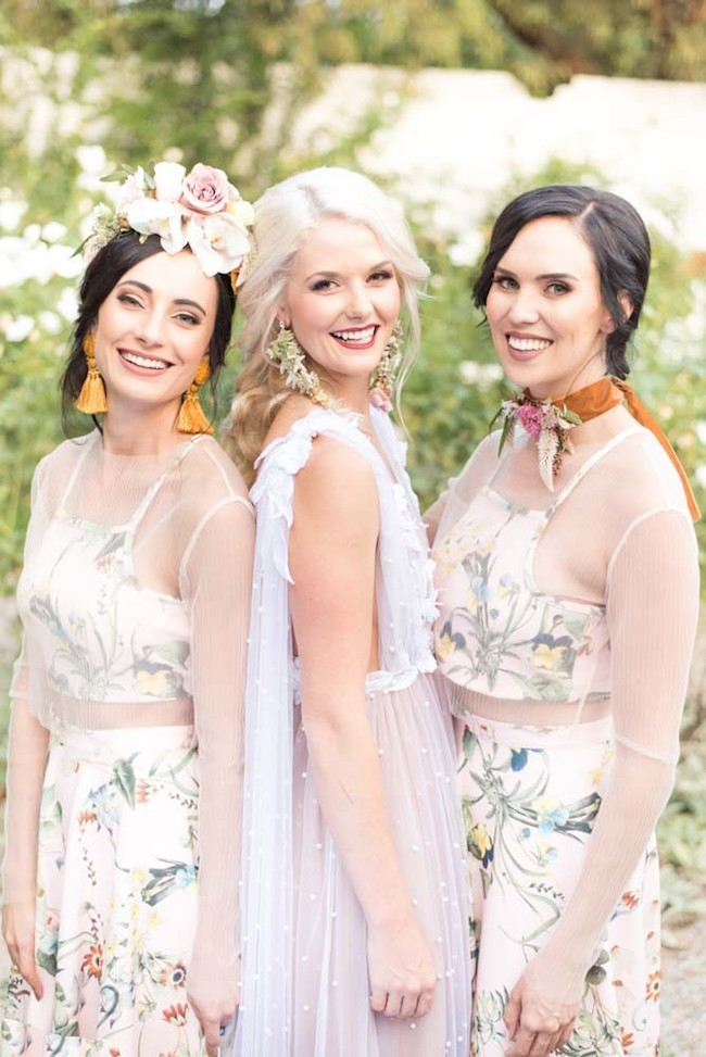 Fall Bride & Bridesmaids | Image: Cara Faye Weddings