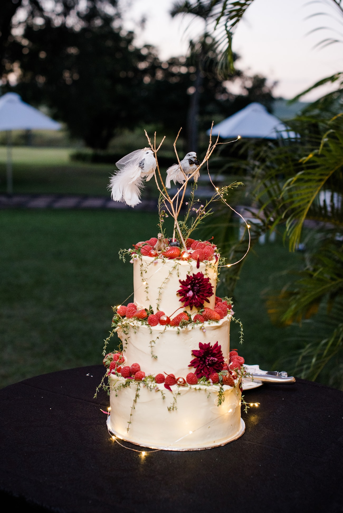 Magical Midsummer Night's Dream Inspired Wedding Cake | Image: Roxanne Davison