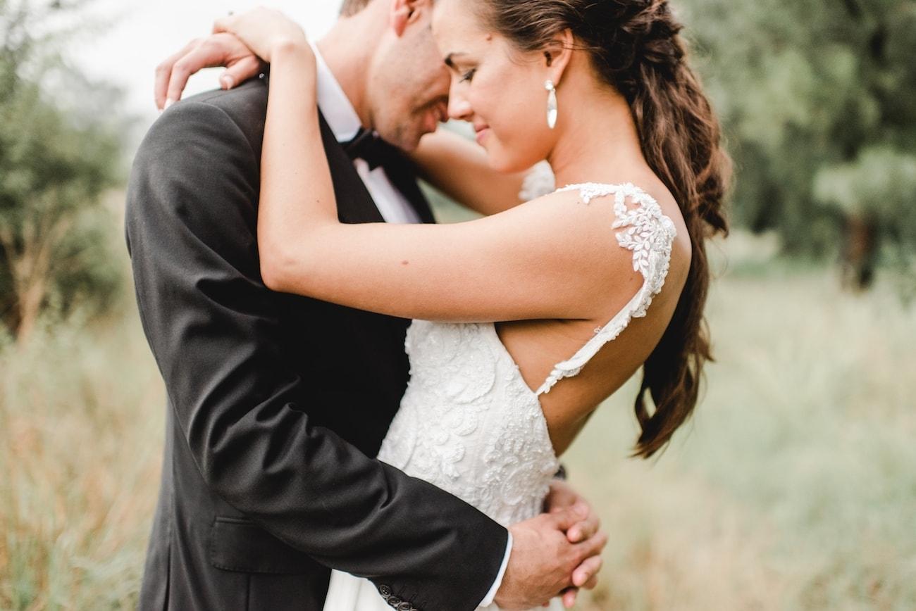 Simply Elegant Modern Wedding at White Light | Image: Carla Adel