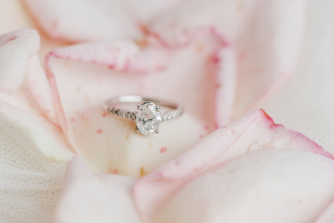 Oval Engagement Ring | Image: Carla Adel