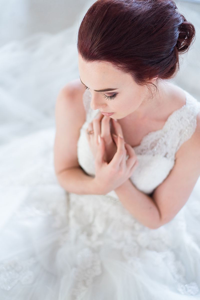 Bride in Lace Dress | Image: Marilize Coetzee