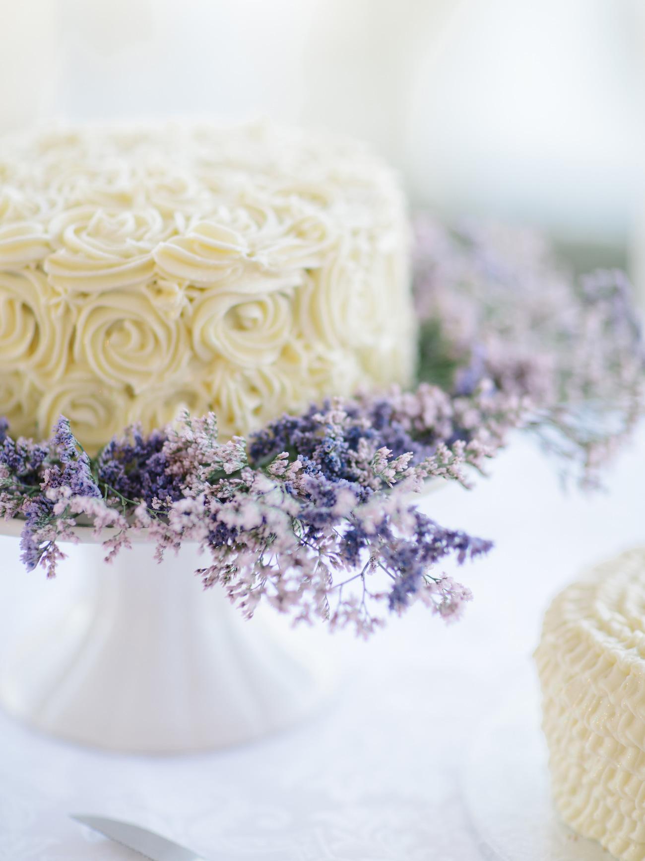 Buttercream Wedding Cake with Heather | Image: Rensche Mari
