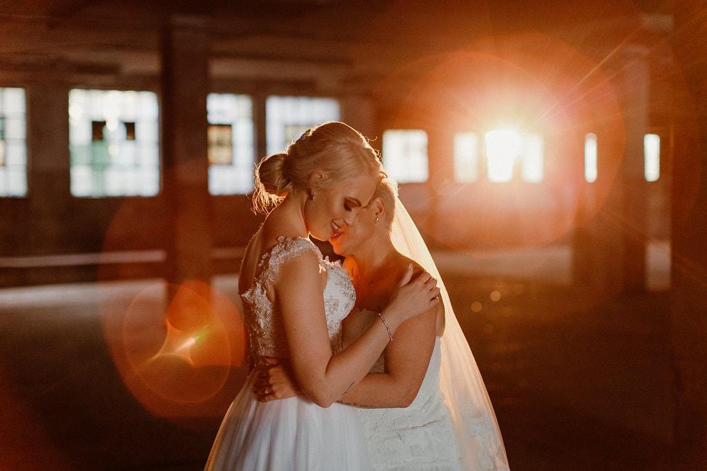 Golden Hour Bride and Bride | Image: Jenni Elizabeth