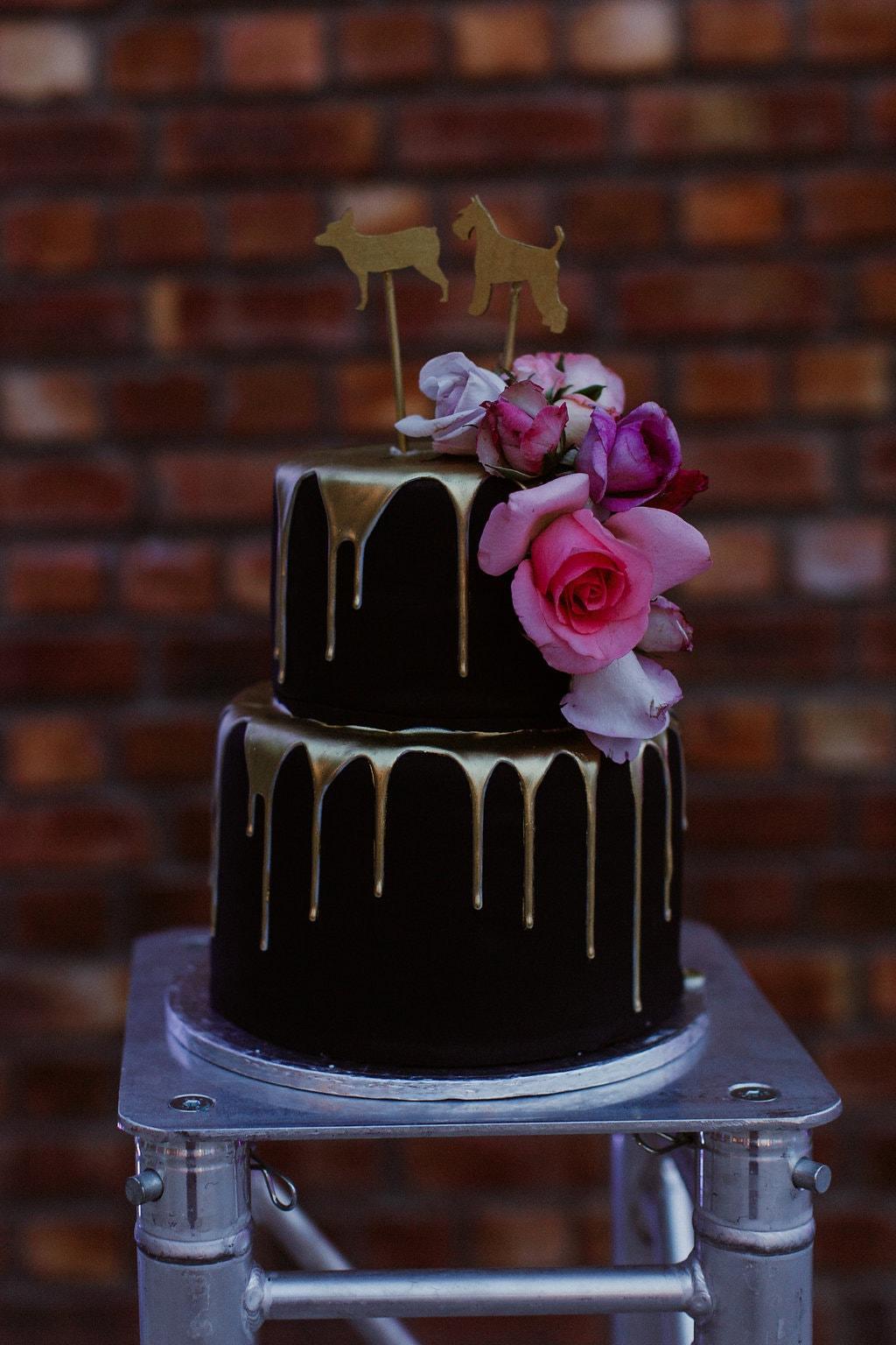 Black and Gold Drip Cake | Image: Jenni Elizabeth